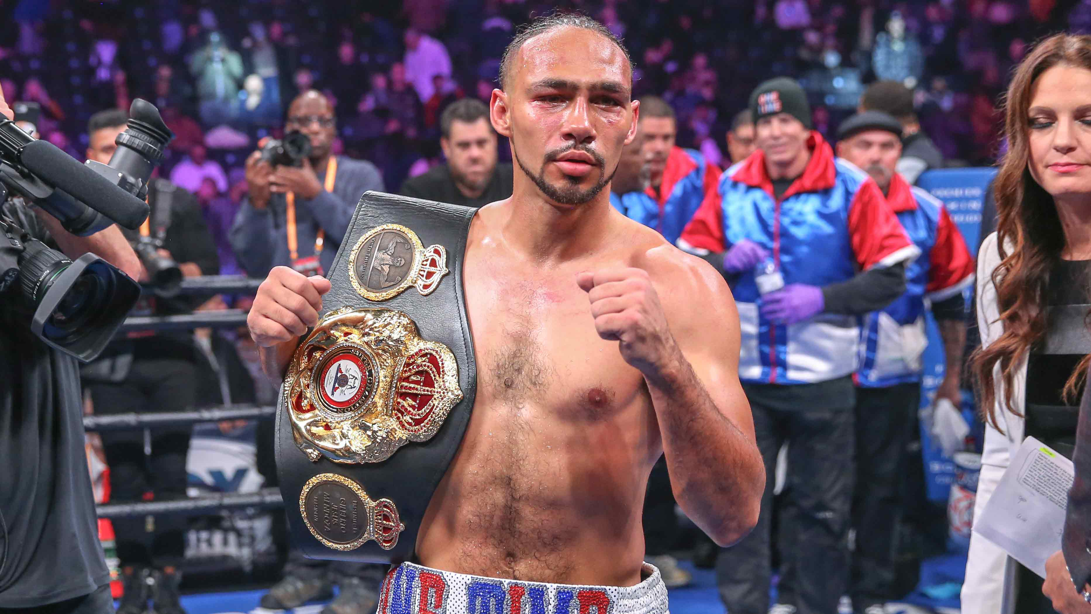 Keith Thurman digs deep, outpo...