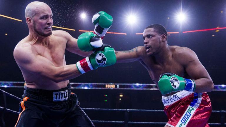 Keith Tapia fights Jason Smith