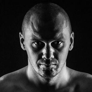 Krzysztof Glowacki fighter profile