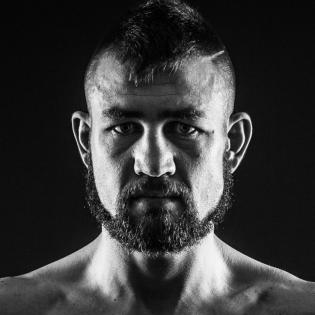 Chris Van Heerden fighter profile