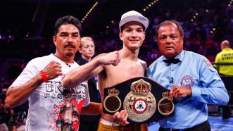 Brandon Figueroa Gifts Hometown Fans with KO Title Defense