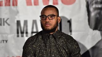 "Julian Williams Joins ""Hands Up, Guns Down"" Youth Event in Philly"
