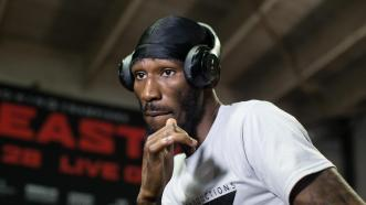 Standing Eight: Robert Easter Jr.