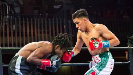 Flores vs Tetteh full fight: November 10, 2015