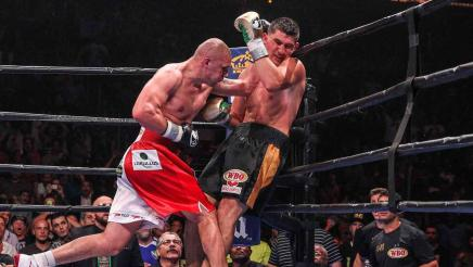 Huck vs Glowacki full fight: August 14, 2015